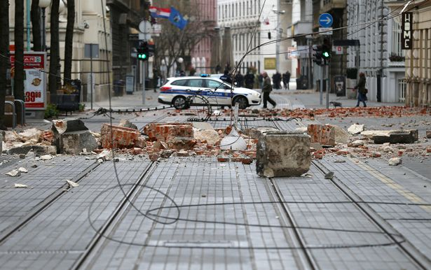 Croatia earthquake: Teen dies after being crushed under building in 5.3 strong quake - World News 3