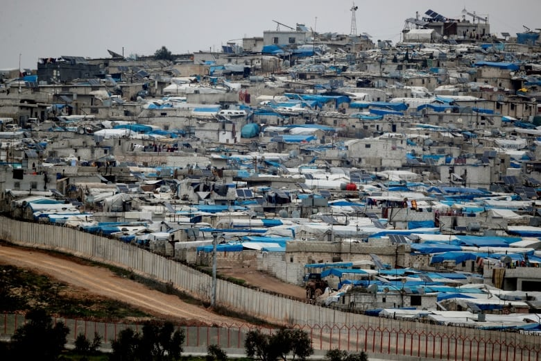 Aid workers brace for impact of coronavirus in refugee camps 1