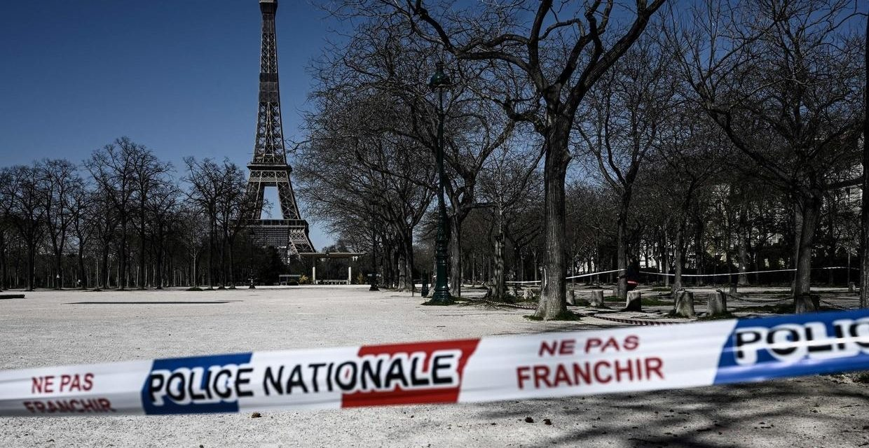 France's coronavirus death toll tops 1,000, lockdown likely to be extended