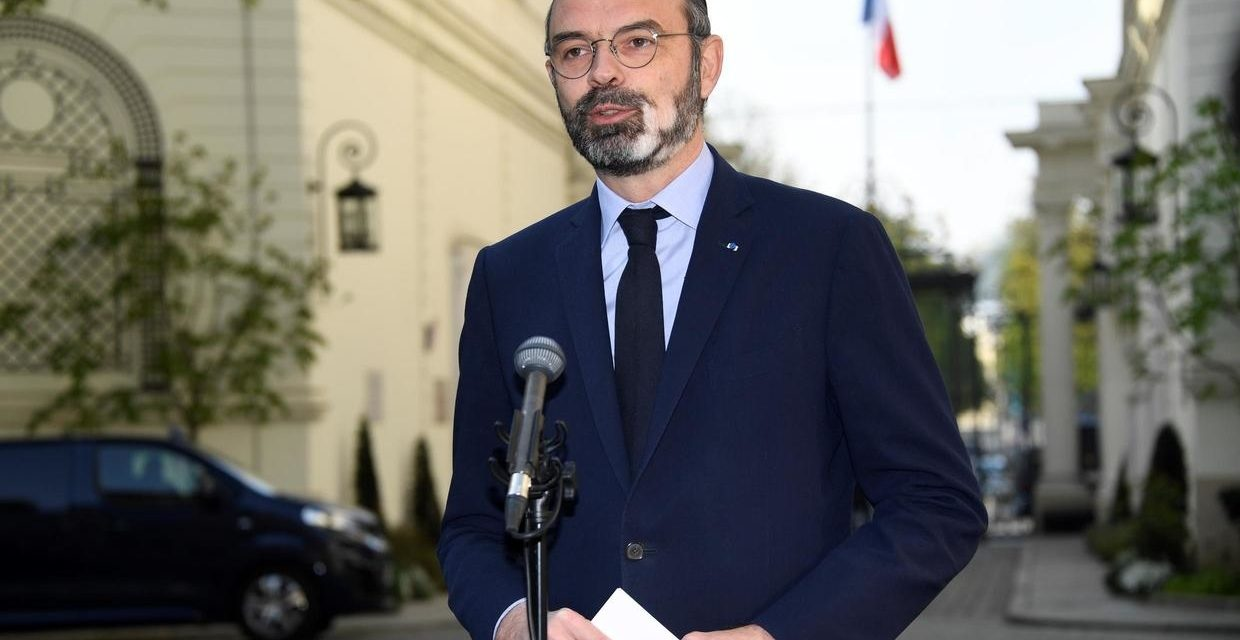French PM extends coronavirus lockdown by two weeks until April 15