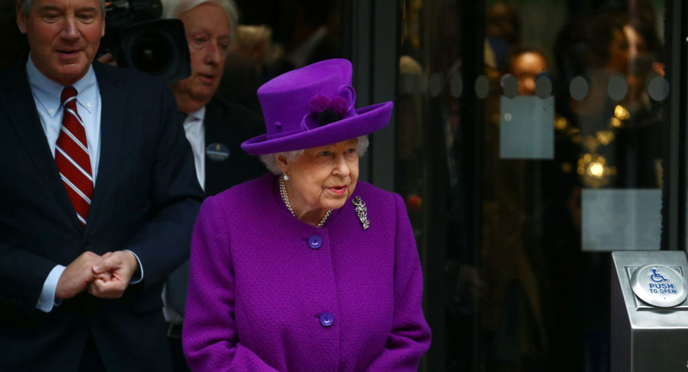 Buckingham Palace Staffer Reportedly Tested Positive for COVID-19 While Queen Was Still There