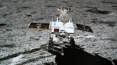 China's Yutu-2 rover sets off for UNEXPLORED areas as Chang'e 4 mission reawakens on far side of Moon — RT World News