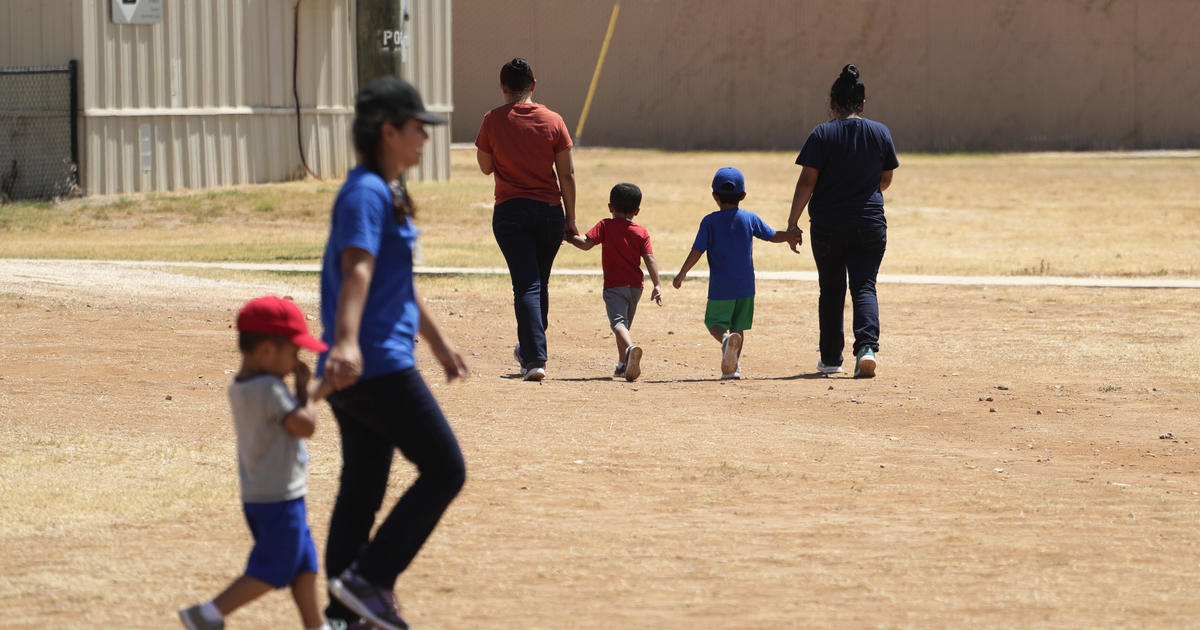 Judge says government must justify holding migrant children as coronavirus spreads