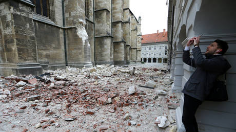 Magnitude 5.3 earthquake hits largest city and capital of Croatia, damages buildings and iconic cathedral (VIDEO, PHOTOS) — RT World News