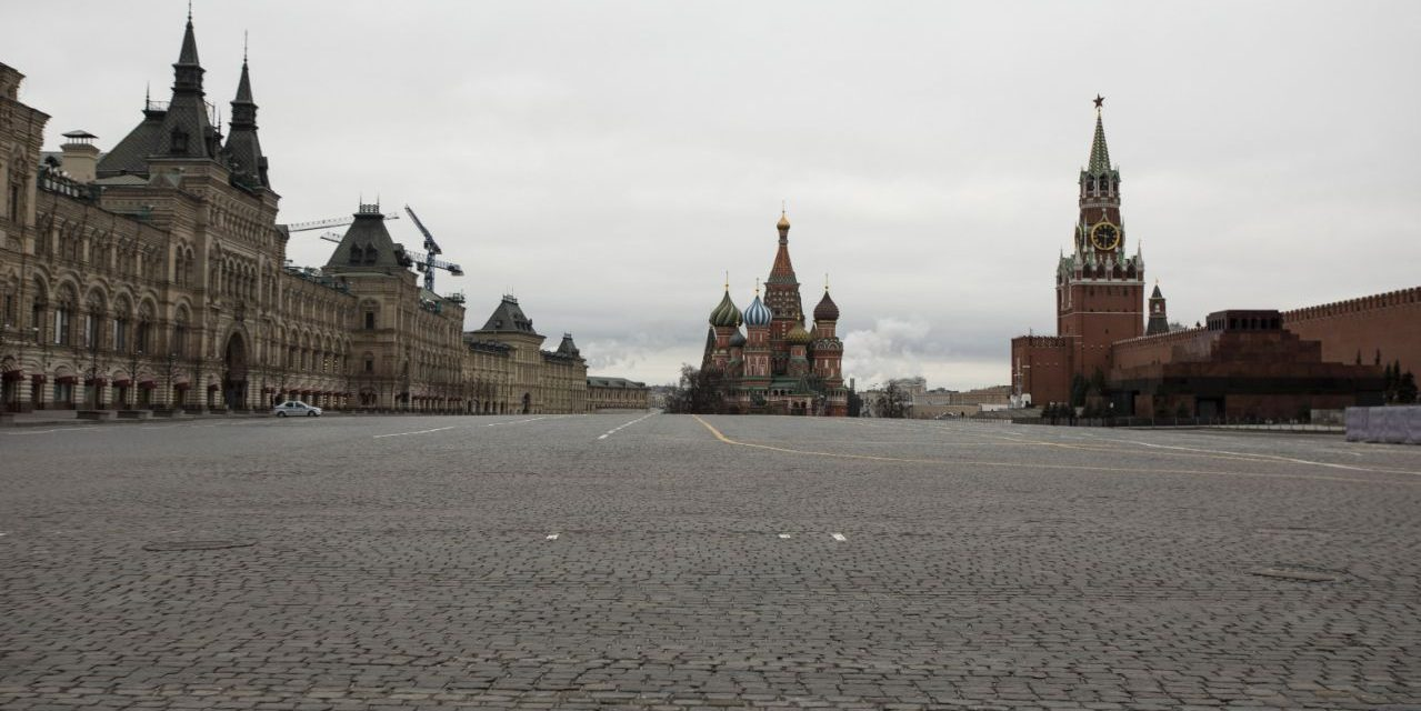 Moscow goes into lockdown, rest of Russia braces for same